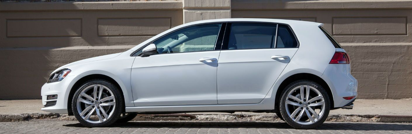2015 Volkswagen Golf TDI Exterior Drivers Side Profile