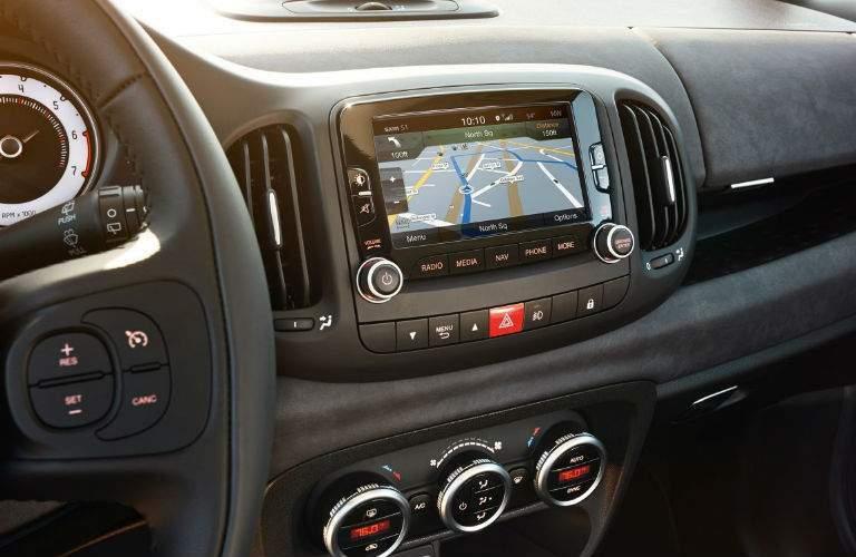 2017 Fiat 500L navigation system