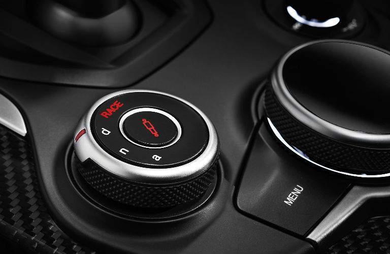 2018 Alfa Romeo Stelvio control knob