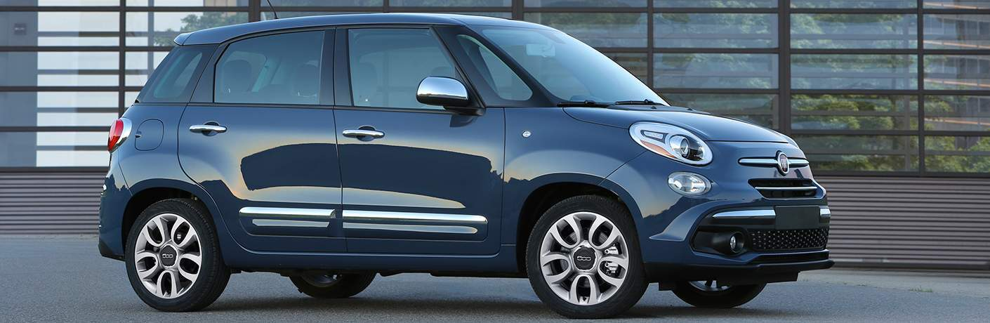 Blue 2018 Fiat 500L parked