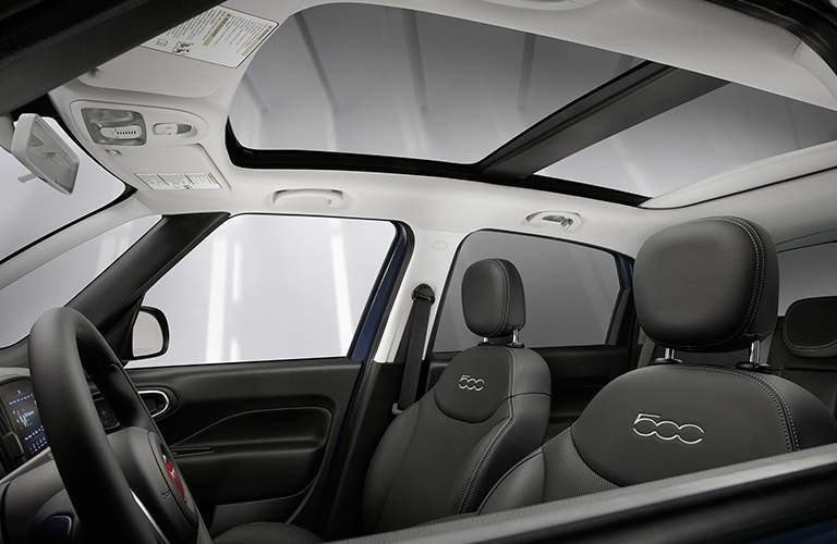 2018 Fiat 500L available sunroof