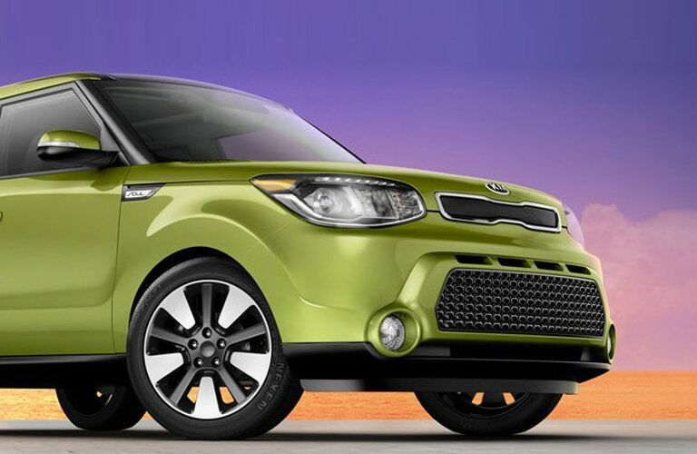 2016 Kia Soul grille and headlights
