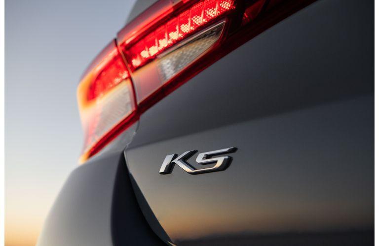 2021 Kia K5 exterior closeup of K5 model badging