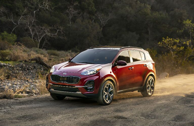 A front end photo of the 2021 Kia Sportage.