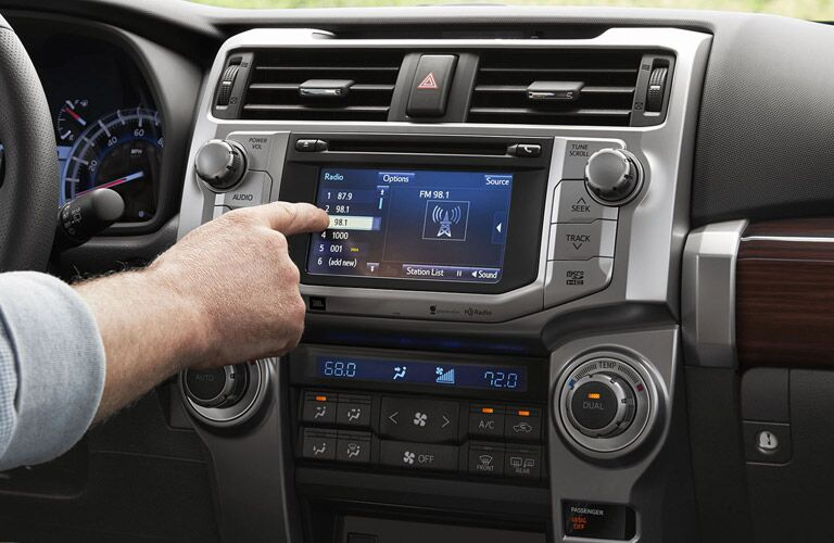 2016 4Runner interior infotainment system