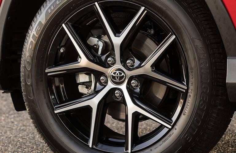2016 toyota rav4 wheel size