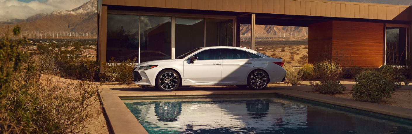 2020 Toyota Avalon Exterior Driver Side Front Profile