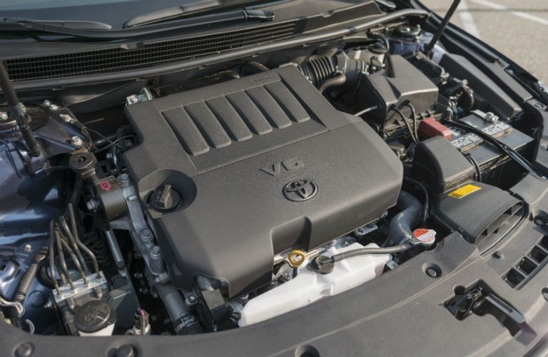 V-6 engine in the 2017 Avalon in Moline, IL