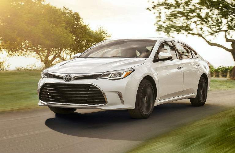2018 Toyota Avalon Hybrid Exterior Driver Side Front Profile