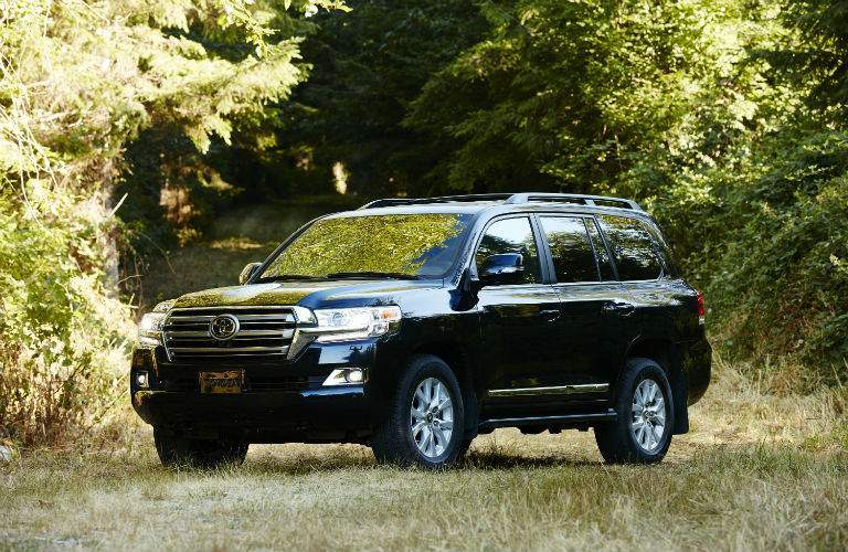 2018 Toyota Land Cruiser Exterior Driver Side Front Profile