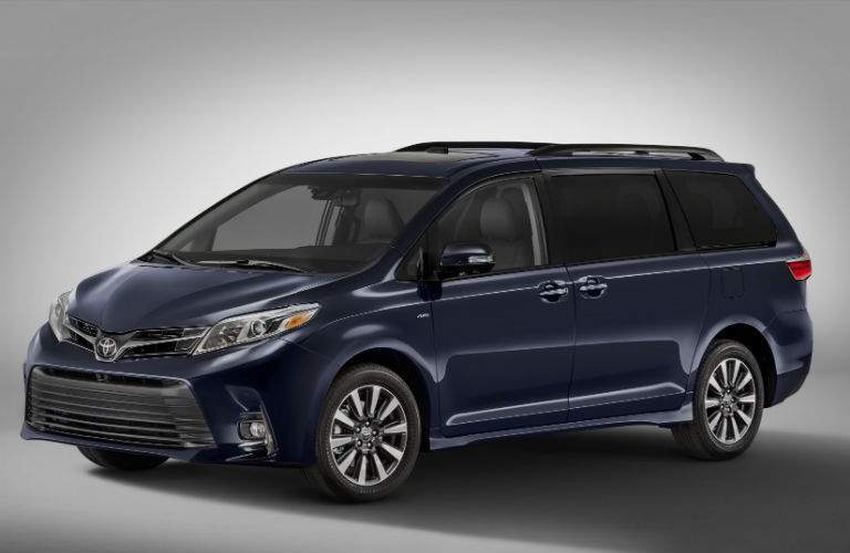 2018 Toyota Sienna Exterior Driver Side Front Profile