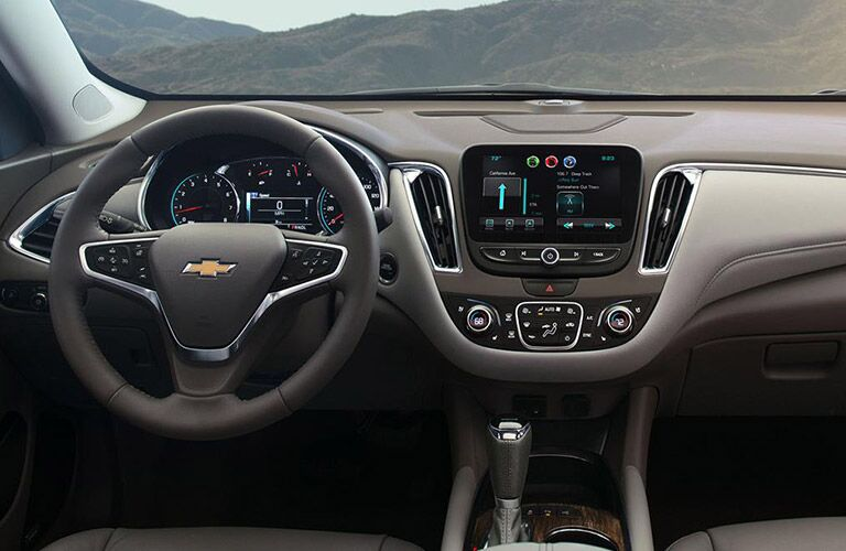 Dashboard features on the 2016 Chevy Malibu