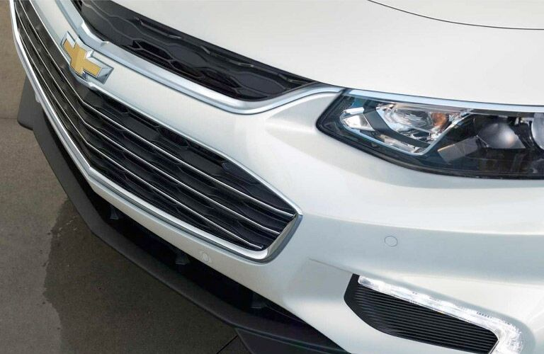 grille and hood close up of the 2017 Chevy Malibu Winnipeg, MB