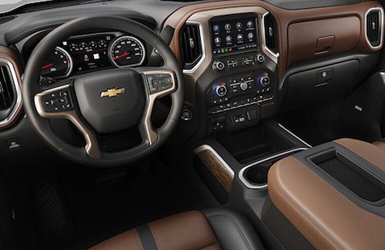Steering wheel and centre touchscreen of 2019 Chevrolet Silverado 1500