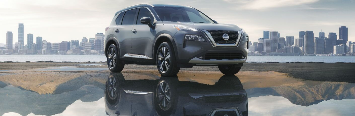 A front right quarter photo of the 2021 Nissan Rogue.