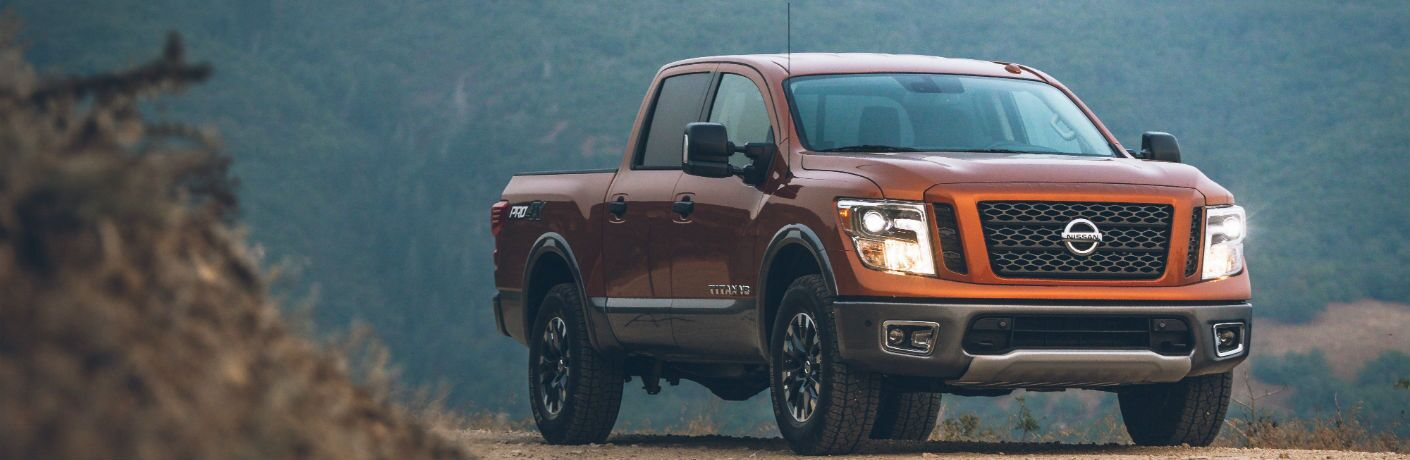 A front-right quarter photo of the 2019 Nissan Titan.