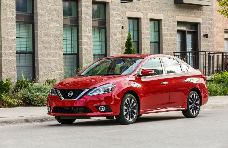 A front left quarter photo of the 2019 Nissan Sentra.