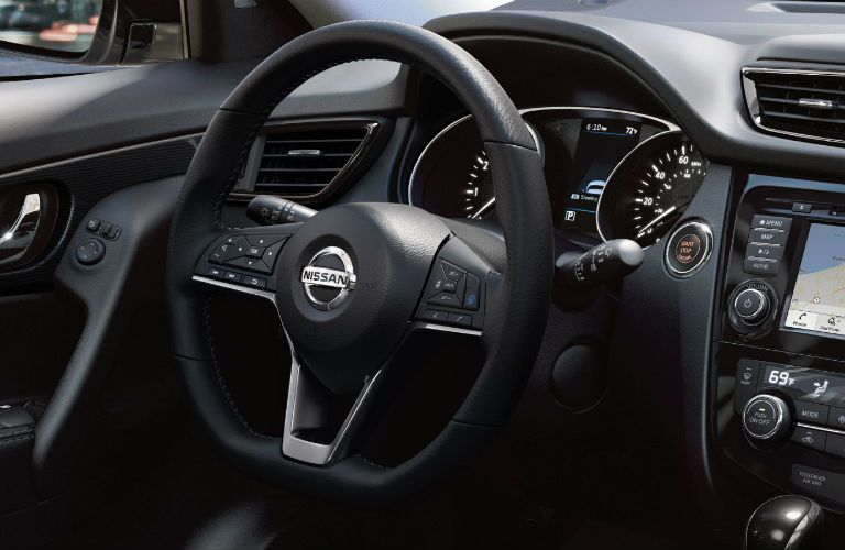 A look at the driver's cockpit in the 2019 Nissan Rogue.