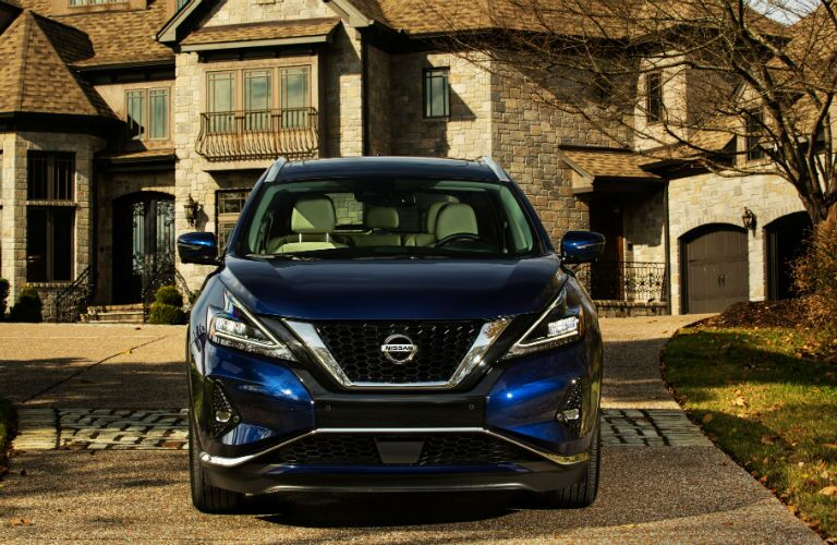 A head-on photo of the 2019 Nissan Murano.