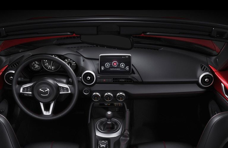 Front dash of the 2016 Mazda MX-5 Miata
