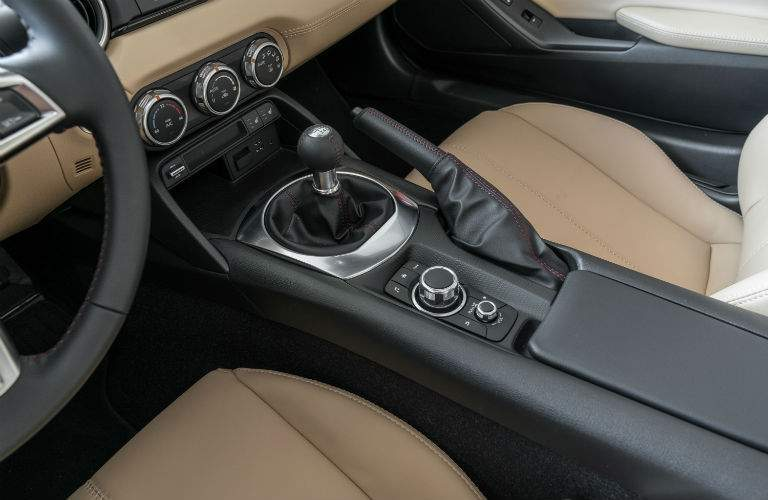 Shift knob and center console of the 2018 Mazda MX-5 Miata RF