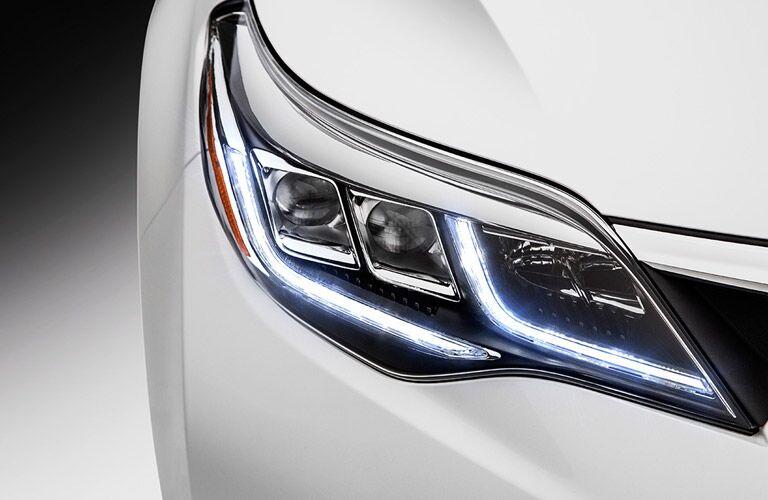 Headlight of 2016 Toyota Avalon