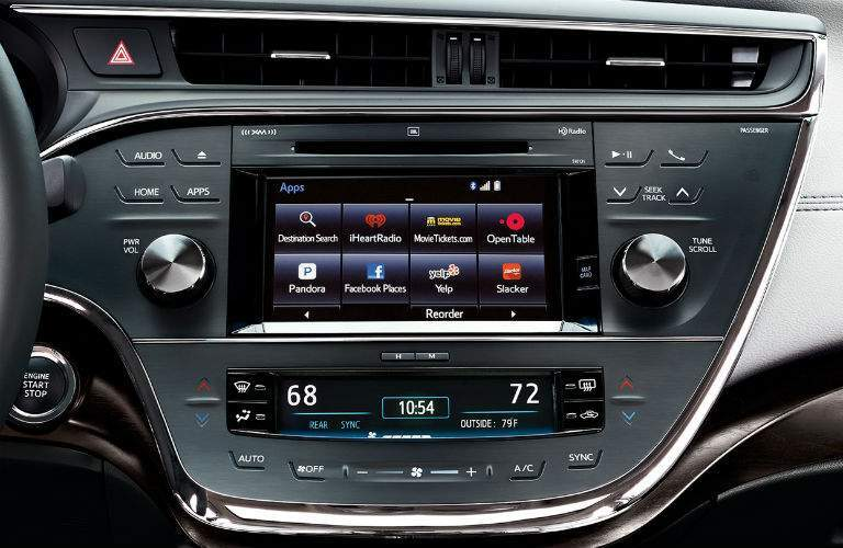 Infotainment system in the 2018 Toyota Avalon