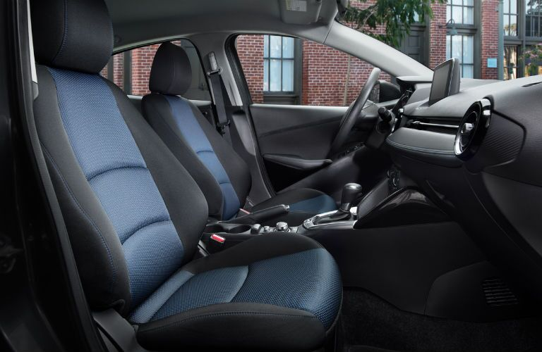Side view cutaway of the front seats of the 2018 Toyota Yaris iA
