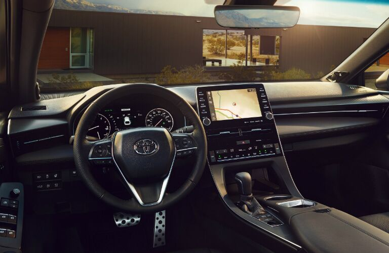 Cockpit view in the 2020 Toyota Avalon