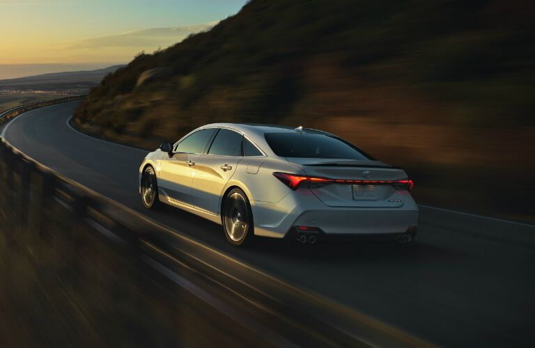 2020 Toyota Avalon coming up on a sharp right corner