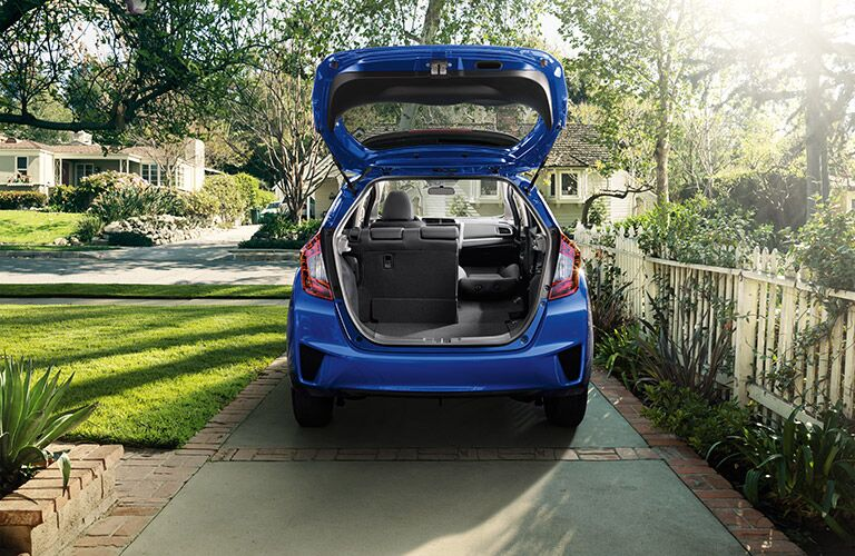 2016 Honda Fit vs 2016 Kia Rio cargo space