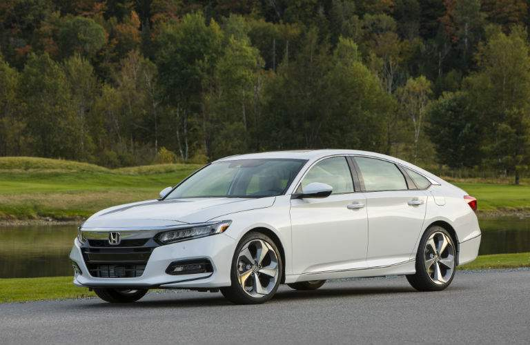 A left profile photo of the 2018 Honda Accord