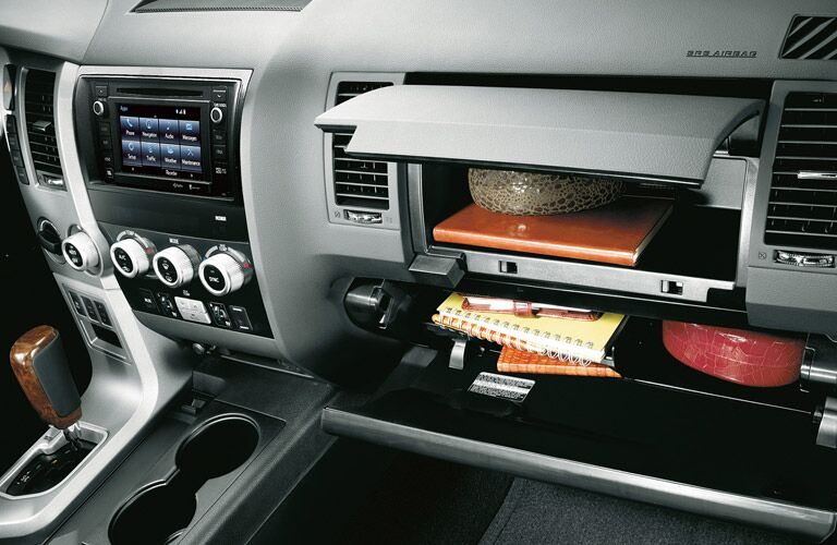 2016 Toyota Sequoia glove box