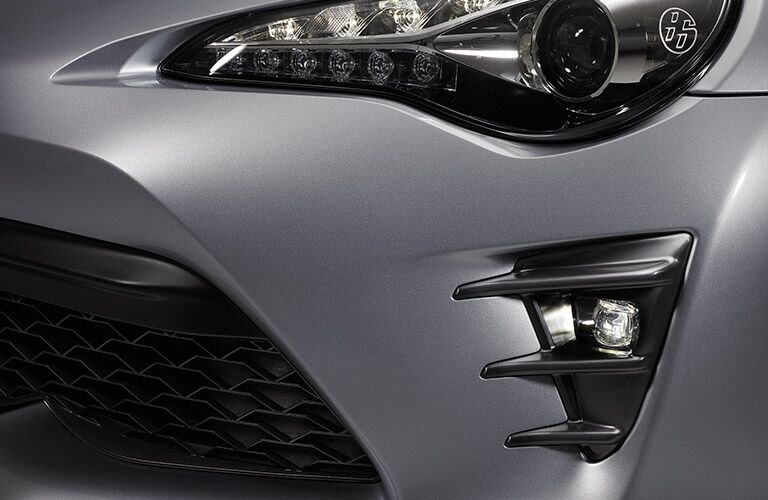 View of the Front Headlight and Grille on the 2017 Toyota 86