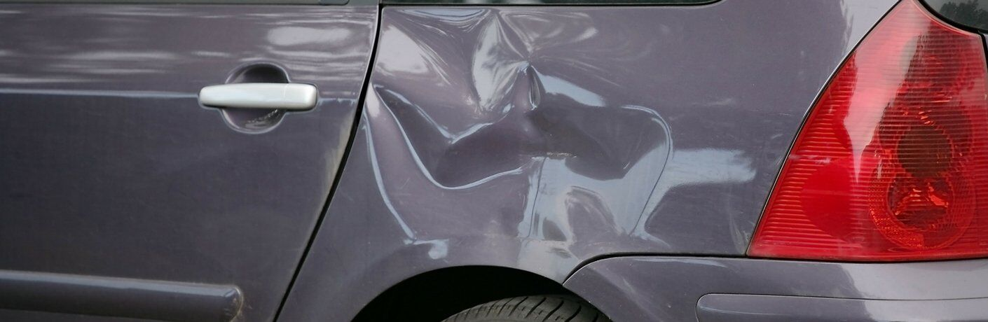 Difference Between Paintless and Traditional Dent Repair