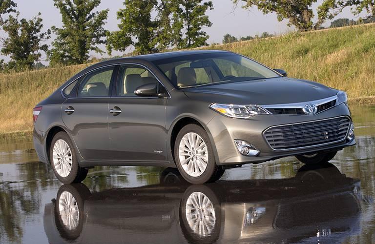 Toyota Avalon side profile