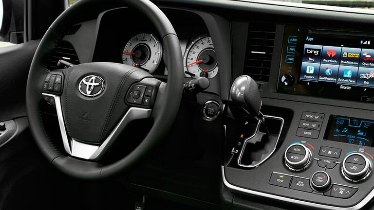 2015 Toyota Sienna technology features