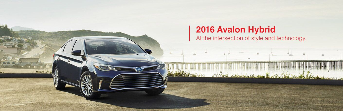 2016 Toyota Avalon Hybrid in Janesville, WI