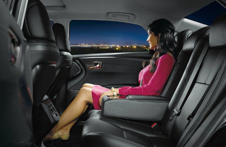 2016 Toyota Avalon passenger space