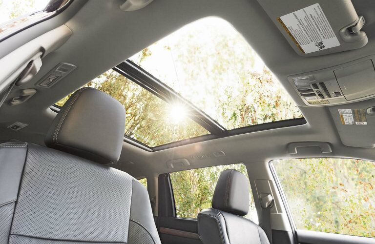 2016 Toyota Highlander sunroof