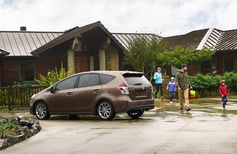 2016 Toyota Prius v passenger space
