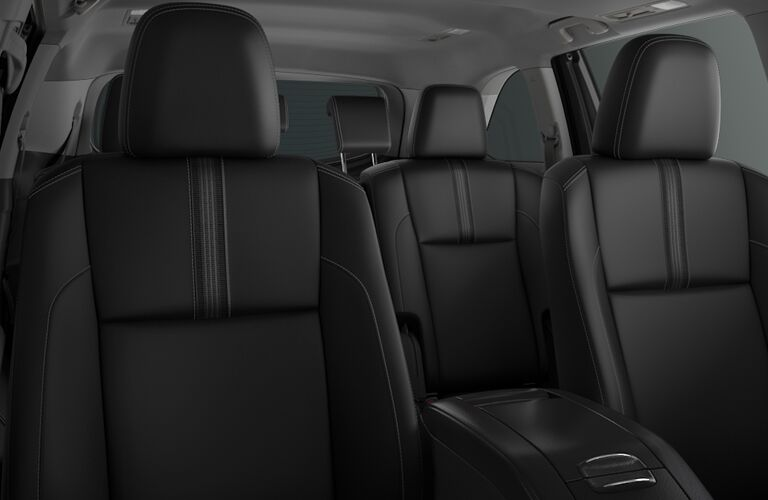 front and rear seating of 2018 toyota highlander