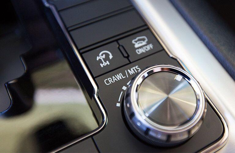 2019 Toyota Land Cruiser drive-mode selector