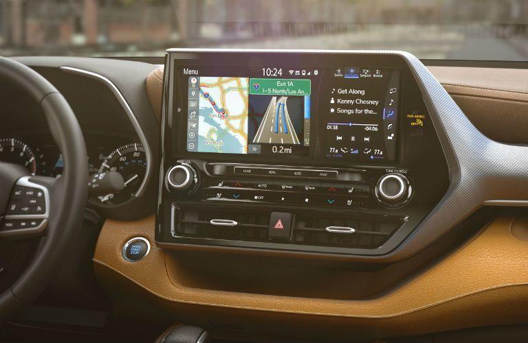 2020 Toyota Highlander Interior Cabin Display Audio Screen & Center Console
