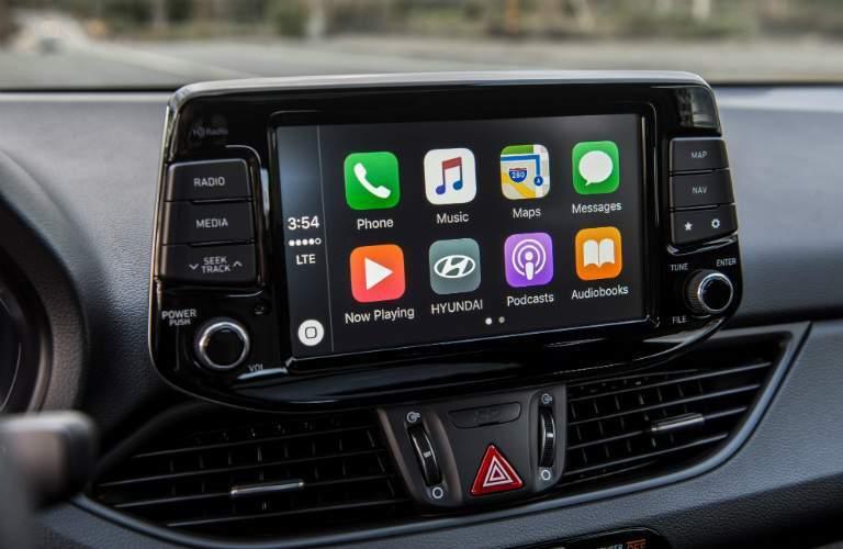 2018 Hyundai Elantra GT infotainment screen