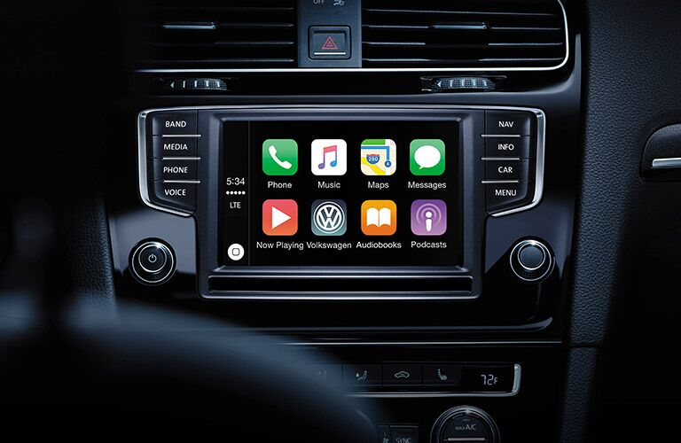 2016 vw golf r with apple carplay touchscreen