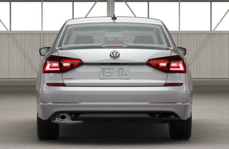 rear bumper trunk design on the 2016 vw passat r-line