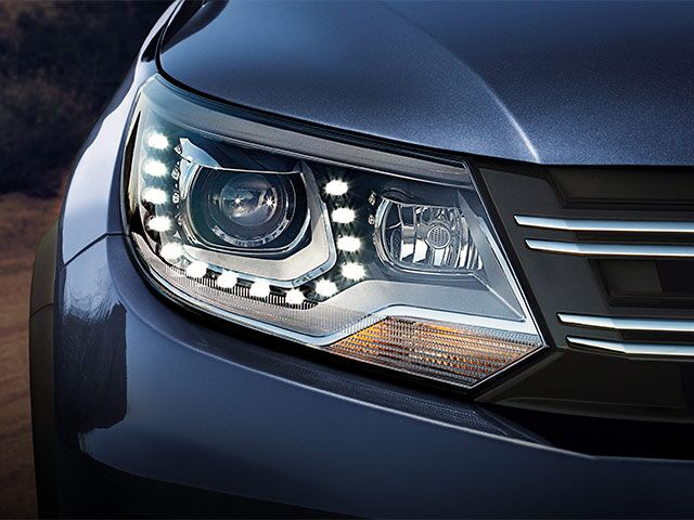 2016 VW Tiguan Headlight Detail