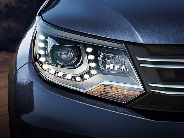 2016 VW Tiguan Headlight Detail
