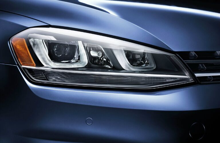 2017 vw golf sportwagen headlight design